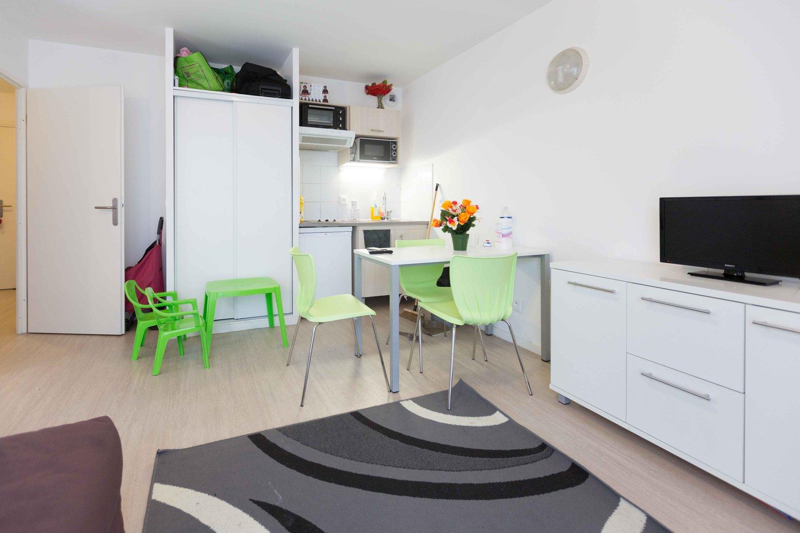 au c ur de l eco quartier ginko bordeaux 133. Black Bedroom Furniture Sets. Home Design Ideas